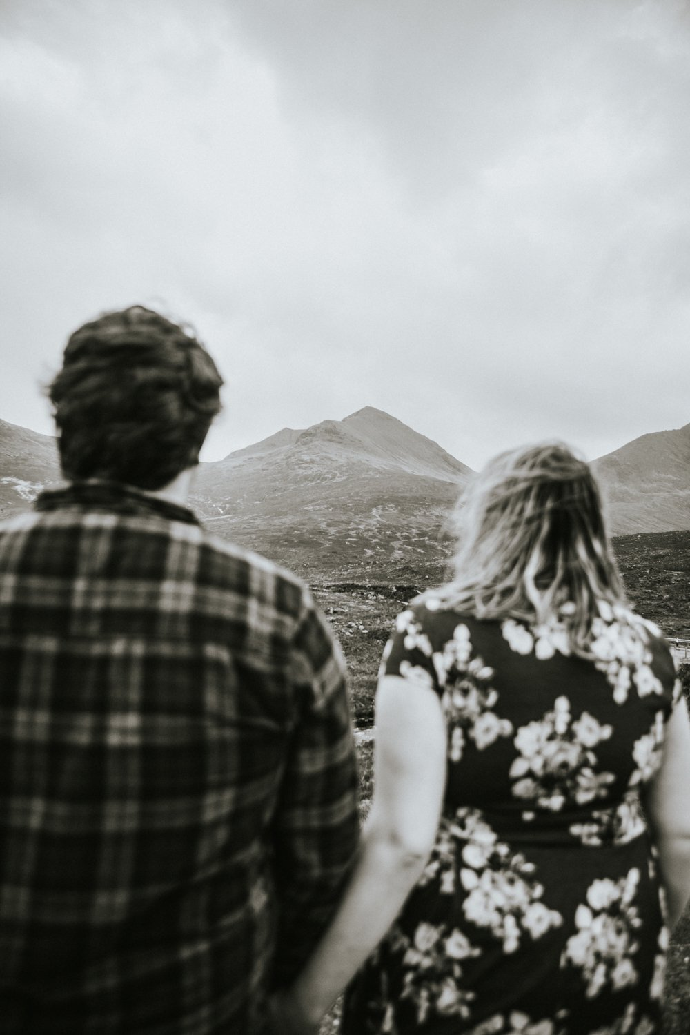 Skye Elopement Photography - Couple session Mountains