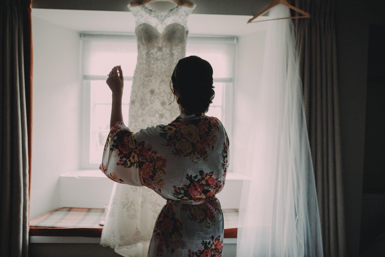 Healey Barn Wedding - Bridal prep at the lord crewe arms blanchland