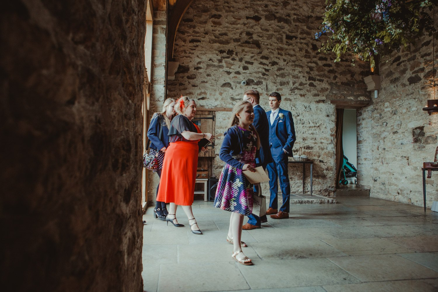 Healey Barn Wedding - guests arriving