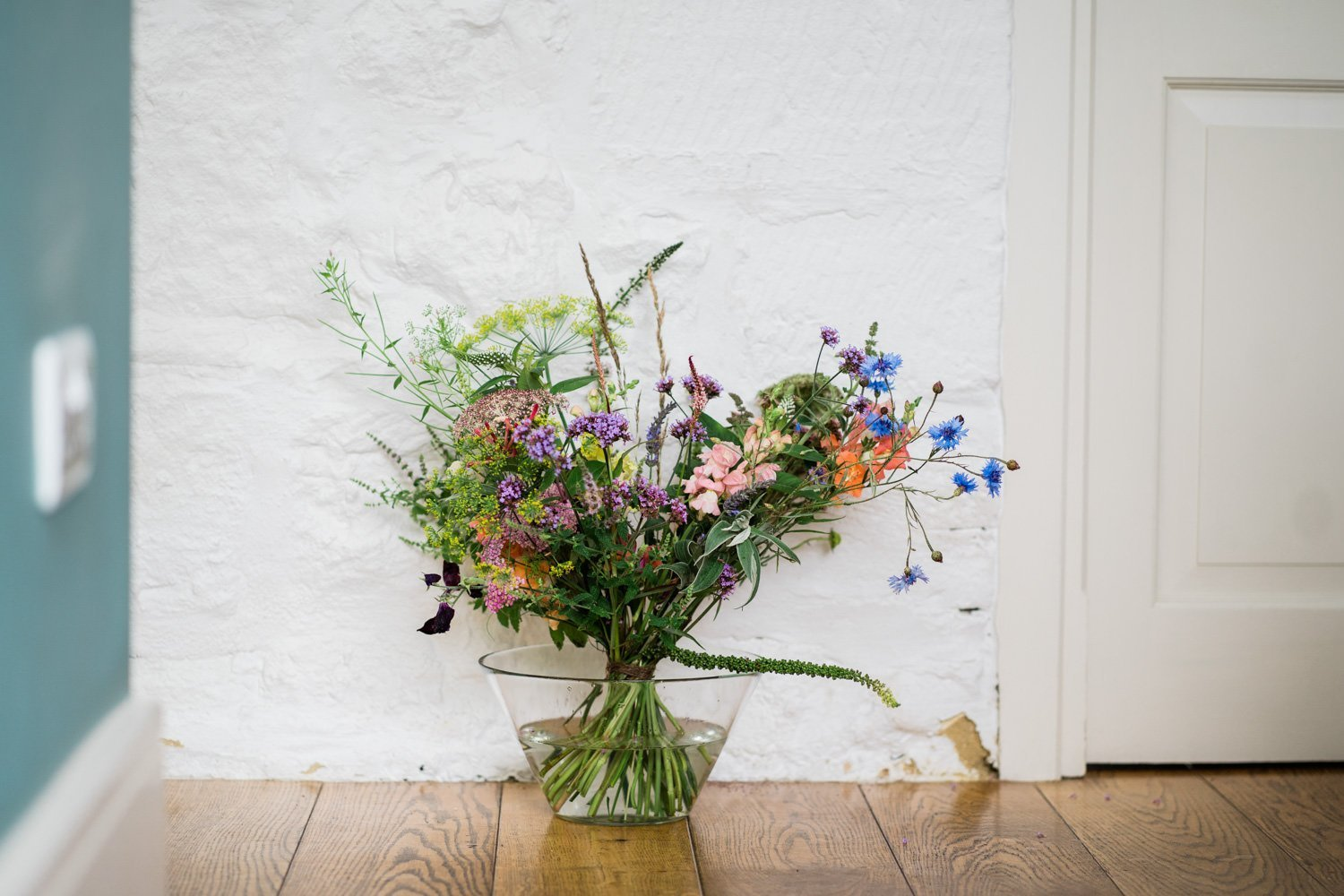 wild flower bouquet - london wedding phoptographer