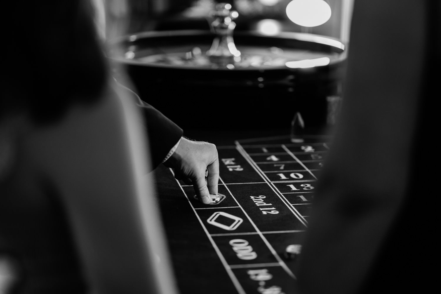 casino at wedding - wedding photographer london